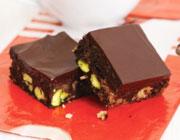 آشنایی با روش تهیه شیرینی شکلات پسته