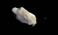 خرده سیارهای بسیار بزرگ از کنار زمین عبور میکند