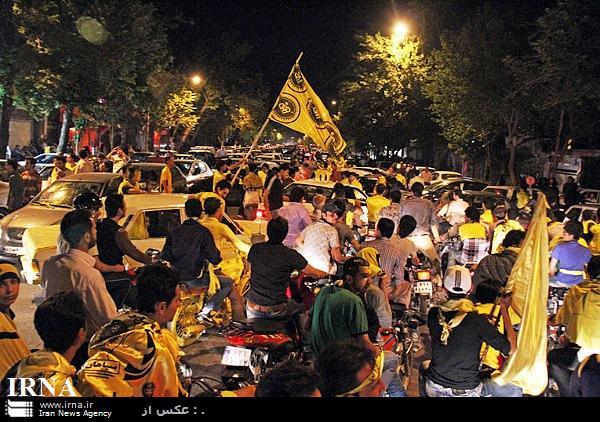 کارناوال شادی اصفهانی ها پس از قهرمانی سپاهان (+عکس)
