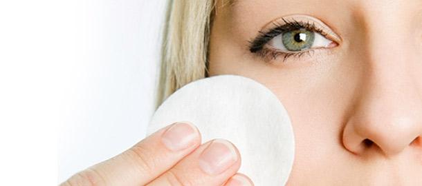 پاک کننده طبیعی آرایش بسازید