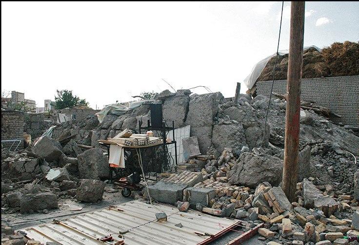 انتقاد نماینده اهر و هریس از عدم بازسازی مناطق زلزله زده ارسباران