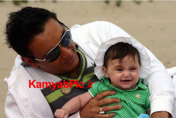 شادمهر عقیلی در کنار دخترش