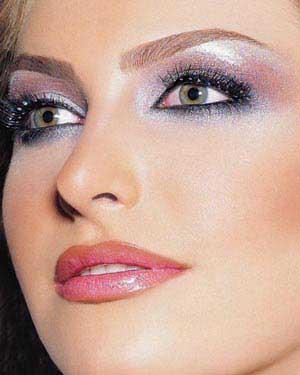 سخنان بحثبرانگیز امام جمعه انار درباره آرایش زنان