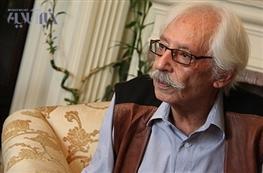 محمود احمدی نژاد به جمشید مشایخی نشان درجه یک اعطاء کرد