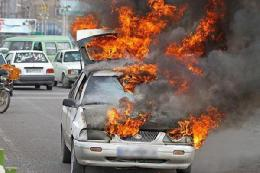 یک دستگاه پراید در آتش سوخت