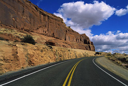 ساخت آزادراه شمال با منابع دولتی ۵۰ سال طول میکشد