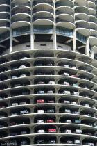 هزینه هر شب توقف در پارکینگ چند؟