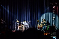 کنسرت احسان خواجه امیری در کرج (برای بزرگنمایی تصویر کلیک کنید)