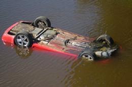 سقوط مرگبار خودرو به رودخانه