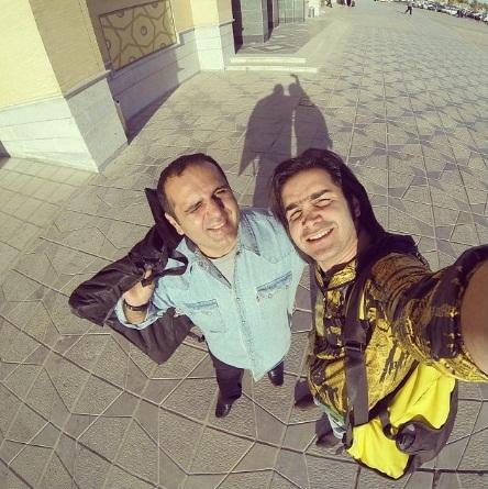 خودپیکچرینگ محسن یگانه با مجری سرشناس در خیابان!/ عکس
