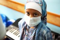 عکسهای دیدنی خواننده سرشناس از بچه های محک