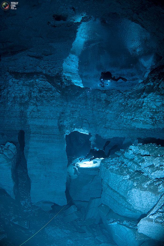 تصاویری شگفت انگیز و دیدنی از غار اوردا در روسیه