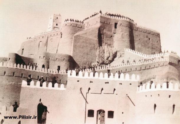 تصویری قدیمی از ارگ بم در زمان قاجار
