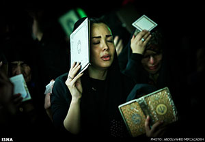 تصاویر دختران بد حجاب در مراسم شب قدر !