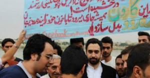 حضور مهدی یراحی در زنجیره انسانی مردم شهر اهواز در حمایت از «کارون»