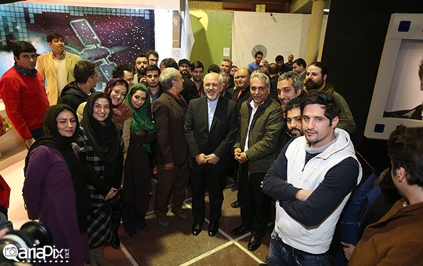 عکسهای بازدید دکتر ظریف با مهران مدیری پشت صحنه سریال شوخی کردم