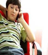 ra4 2420 تلفن همراه و کودکان