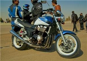 تردد موتورسیکلتهای سنگین در انتظار تصمیم شورای امنیت کشور