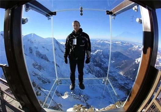 مرگ را در ارتفاع ۳۹۰۰ متری تجربه کنید + تصاویر