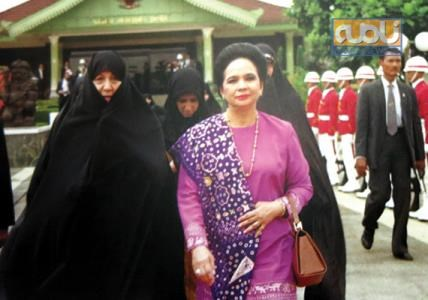 همسر رئیس جمهور برونئی در کنار عفت مرعشی /عکس