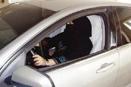 بازداشت دو زن سعودی به جرم رانندگی
