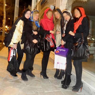 دختران ساپورت پوش در خیابانهای تهران