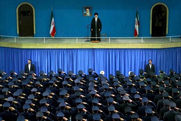 تصاویر دیدار فرماندهان، مسئولان و جمعی از پرسنل نیروی هوایی ارتش با رهبر معظم انقلاب