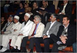 چکناواریان و نماینده زرتشتیان ایران در برج آزادی