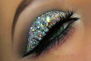 آموزش تصویری آرایش چشم براق مخصوص میهمانی های شب