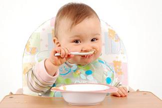 روش درست تغذیه کودک زیر ۱ سال