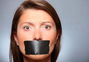 چرا زنان بیشتر از مردان حرف می زنند؟