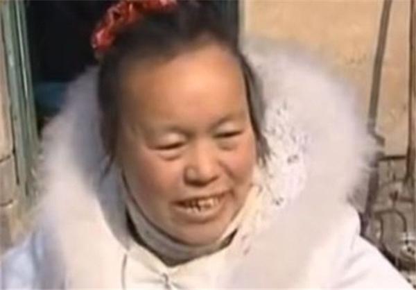 عروسی که ۱۰ سال لباس عروسیش را پوشید+عکس