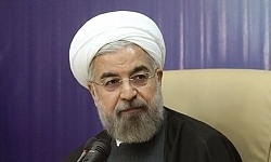 روحانی: سرتان را بالا بگیرید/ تیم ملی مستحق این نتیجه نبود