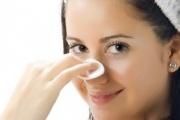 روش هایی ساده برای از بین بردن دانه های سیاه روی بینی