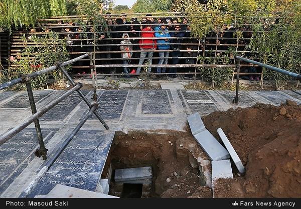 پیکر مرتضی پاشایی به دلیل ازدحام بیش از حد دفن نشد