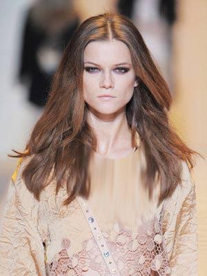 vakonesh.com   aac1148058c3c96da06a28e4112d26eb مدل مو زنانه همراه با رنگ مو قهوه ای