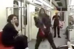 بازتاب وسیع رقص یک دختر در مترو تهران