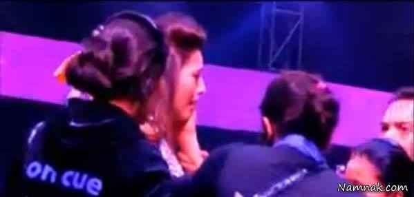 سیلی خوردن بازیگر زن هندی در برنامه زنده + عکس