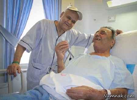 اکبر عبدی در کنار بیماران