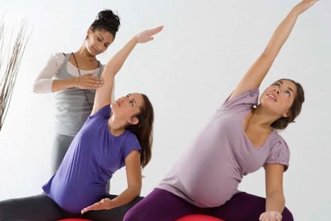 چگونه دردورهی بارداری ورزش کنیم و سالم بمانیم