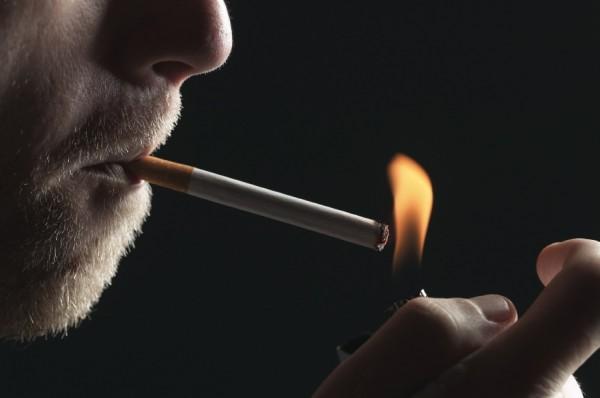 عصبانیت پدر گلر سرخ ها از شایعه سیگار کشیدن پسرش