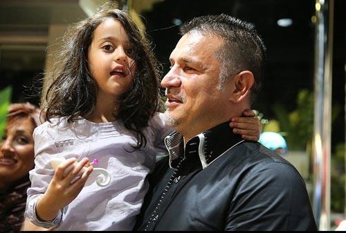 پخش شدن عکس های خصوصی علی دایی از صفحه منتسب به علی کریمی