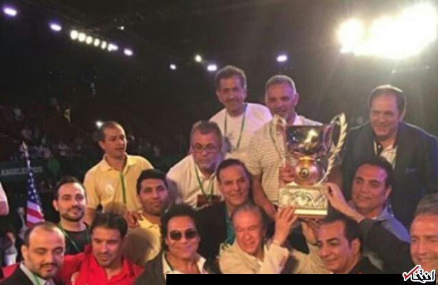 خواننده مشهور لس آنجلسی در جشن قهرمانی تیم ملی کشتی در آمریکا + عکس