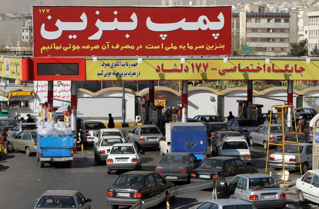 بی احترامی آشکار به مردم در ماجرای قطع ناگهانی بنزین یارانه ای + تصویر