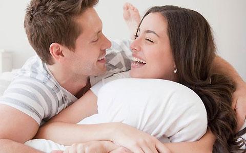 چگونه حرف زدن و ارتباط کلامی با نامزد یا همسر برای مردان و زنان