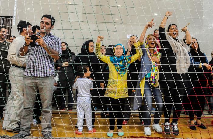 (تصاویر) حضور زنان در فینال لیگ بسکتبال
