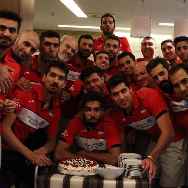 عکس/ جشن تولد والیبالیست جوان تیم ملی
