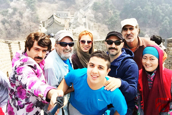 آب تنی بازیگران سریال پایتخت در استخر + عکس