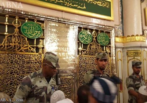 سربازان سعودی مانع زیارت حجاج+عکس