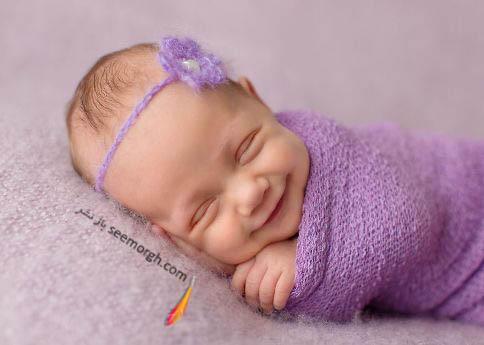نوازد درحال خواب دیدن فرشته ها!
